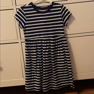 Girls dress worn once size 5T
